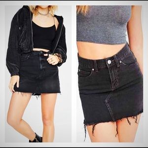 Urban Outfitters BDG Austin Notched Denim Mini Med